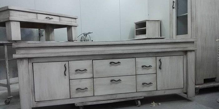 איך לצבוע רהיטים בסיד